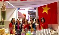 Participa Vietnam en Feria caritativa en Ucrania