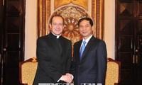 El subsecretario del Vaticano visita Vietnam