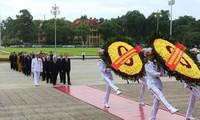 Líderes nacionales rinden homenaje al presidente Ho Chi Minh en el Día Nacional