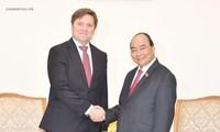 Primer ministro de Vietnam recibe a embajador polaco