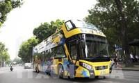 Hanói inaugura otra ruta de autobus turístico de dos pisos