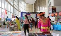 Celebran el Día del Libro de Vietnam