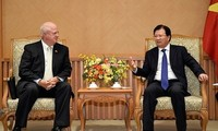 Vicepremier de Vietnam recibe a subjefe del grupo estadounidense Hanesbrands