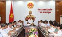 Vicejefe del Gobierno trabaja con autoridades de Binh Dinh