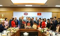 Vietnam y Reino Unido firman memorando de entendimiento sobre cooperación educativa