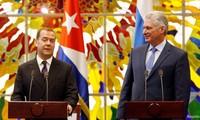 Premier de Rusia visita Cuba