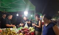 Presentan productos básicos locales en la feria OCOP en Hanói