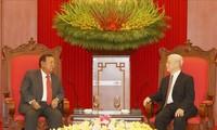 Presidente de Vietnam recibe a homólogo laosiano