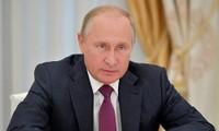 Presidente de Rusia llama a reforzar poder militar nacional