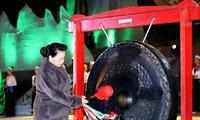 Jefa del Parlamento de Vietnam asiste a Semana Cultural y Turística de Hoa Binh