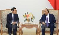 Premier de Vietnam recibe a canciller laosiano