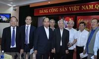 Encuentros con líderes y ex líderes de la región central en vísperas de Tet 2020