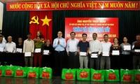 Más regalos del Tet para necesitados en Vietnam