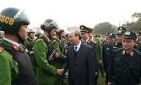 Premier vietnamita visita unidad de Respuesta Rápida de las Fuerzas de Seguridad Pública