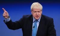 Primer ministro británico reforma el gabinete
