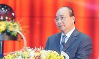 Premier de Vietnam dirige sesión especial sobre la lucha contra el Covid-19