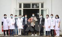 Dado de alta paciente número 18 con coronavirus en Vietnam