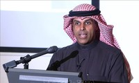 Kuwait apoya negociaciones para reducir producción de petróleo