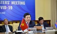 Vietnam participa en conferencia especial en línea entre la Asean y Estados Unidos sobre el Covid-19