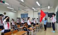 Alumnos de Hanói de regreso a las escuelas