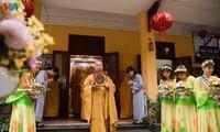 Celebran en Hanói 2564 aniversario del natalicio e iluminación de Buda