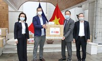Vietnam obsequia 17 mil mascarillas a Francia
