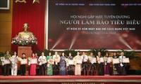 Honran a los periodistas vietnamitas más destacados