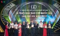 Entregan premios nacionales de prensa 2020