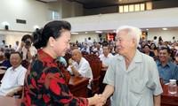 Jefa del Parlamento de Vietnam contacta con votantes sureños
