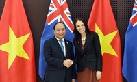 Premier de Vietnam sostendrá conversaciones en línea con primera ministra de Nueva Zelanda