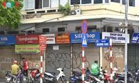 Numerosas tiendas en Hanói cerradas debido al regreso del covid-19