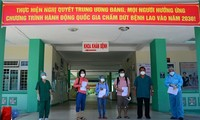 Más pacientes vietnamitas de covid-19 reciben el alta médica
