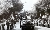 Recuerdos en imágenes del Día de la Liberación de Hanói