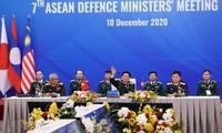 Singapur alaba el éxito de Vietnam en organización de reuniones ministeriales de Defensa de la Asean
