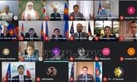 Vietnam asiste a la reunión virtual de embajadores de la EAS