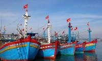 Presidente vietnamita envía cinco mil banderas nacionales a pescadores