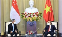 Altos dirigentes de Vietnam reciben al canciller singapurense