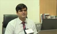 Experto indio elogia artículo de líder del PCV acerca de la equidad social