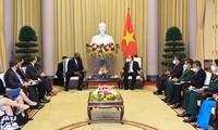 El presidente de Vietnam recibe al secretario de Defensa de Estados Unidos