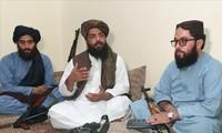 Los talibanes debaten el futuro de Afganistán con las fuerzas de seguridad