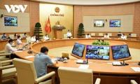 El primer ministro de Vietnam trabaja con provincias sureñas sobre la situación epidémica