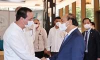 Presidente vietnamita visita el Centro de Ingeniería Genética y Biotecnología en Cuba