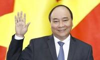 阮春福启程出席东盟印度峰会