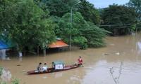 越南中部各省集中克服洪灾影响
