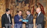 阮春福会见比利时联邦众议院议长布拉克及欧盟和比利时一流企业