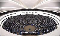 欧盟延长对俄制裁6个月