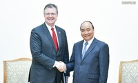 阮春福会见美国驻越大使丹尼尔·克里滕布林克