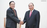 阮春福会见缅甸国际合作部部长吴觉丁