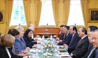 阮春福与挪威首相索尔贝格举行会谈
