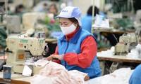 越南社会民生保障计划的受益者将在4月当月收到扶助金